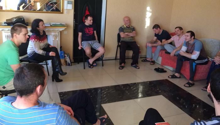 Групповые занятия постояльцев в восточноевропейском центре лечения зависимостей «Altera» (Одесса)