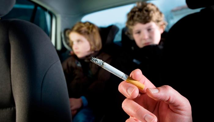 Штраф за курение в машине при наличии детей в некоторых странах