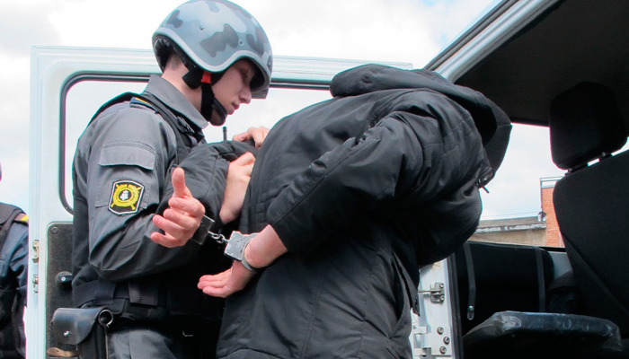 Арест зависимого за криминальные действия на четвертом этапе наркомании