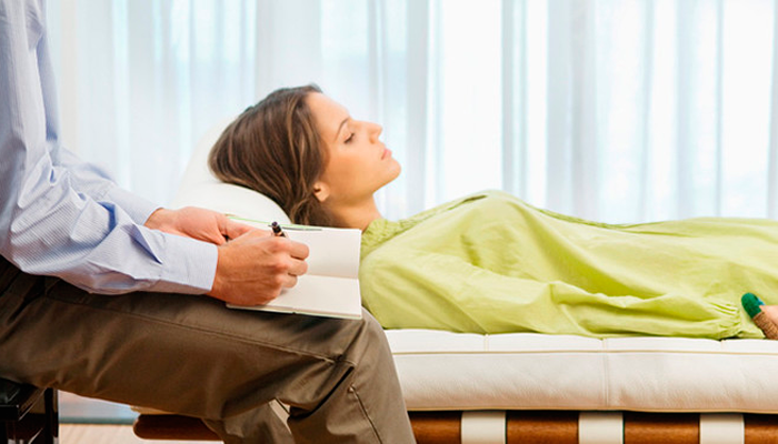 Сеансы психотерапии для лечения алкогольной анорексии