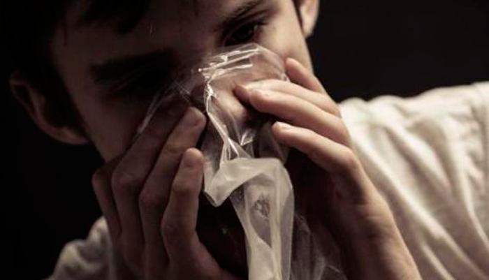 Вдыхание эфира наркоманами