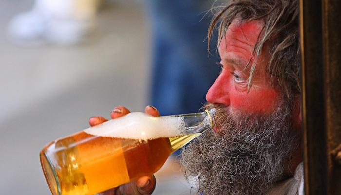 Красное лицо у хронического алкоголика