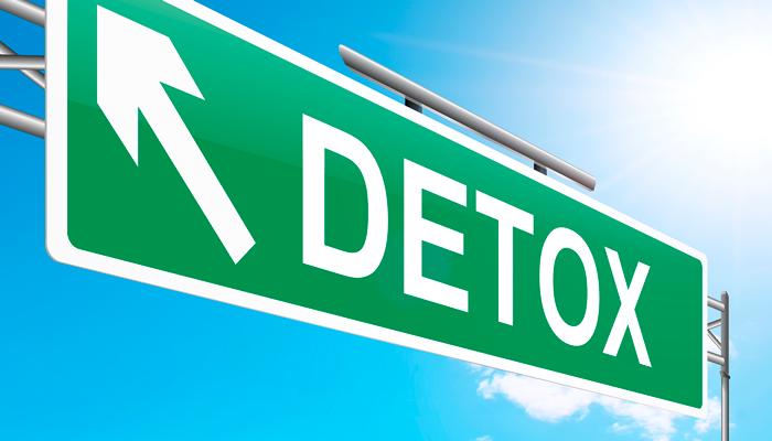 Проведение детоксикации для устранения синдрома отмены алкоголя